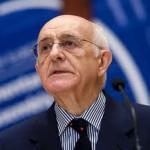 Difendere l'umano diritto. Un ricordo di Antonio Cassese