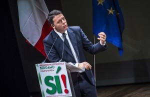 il premier Matteo Renzi apre la campagna per il SI al Referendum sulla riforma costituzionale al teatro sociale di Bergamo