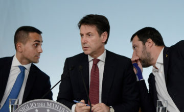 Salvini-Di Maio: l'annuncio infinito di una crisi che ancora non c'è