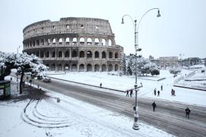 eidon - 673172 Colosseo, Fori e Campidoglio sotto la neve - Colosseo, Fori e Campidoglio sotto la neve