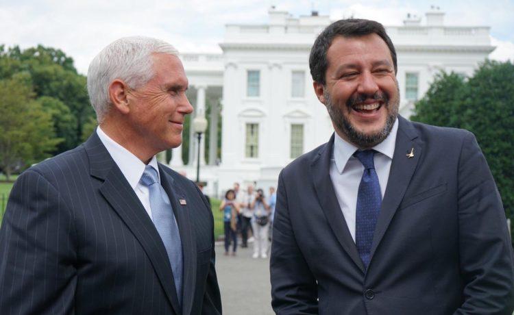 La svolta filo-americana di Salvini: un successo nell'immediato con qualche rischio per il futuro